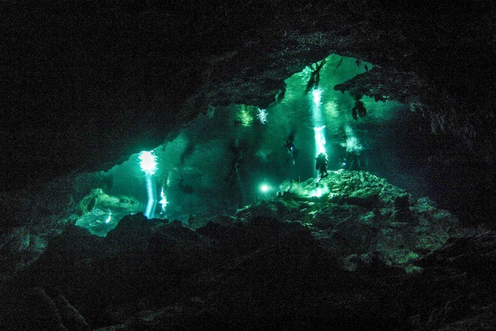Cavern Diving in Cenote Taj Mahal