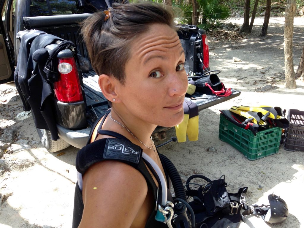 Sidemount Diving Instructor