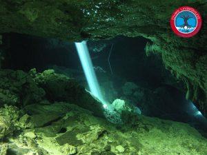 Cenote Tajmahal