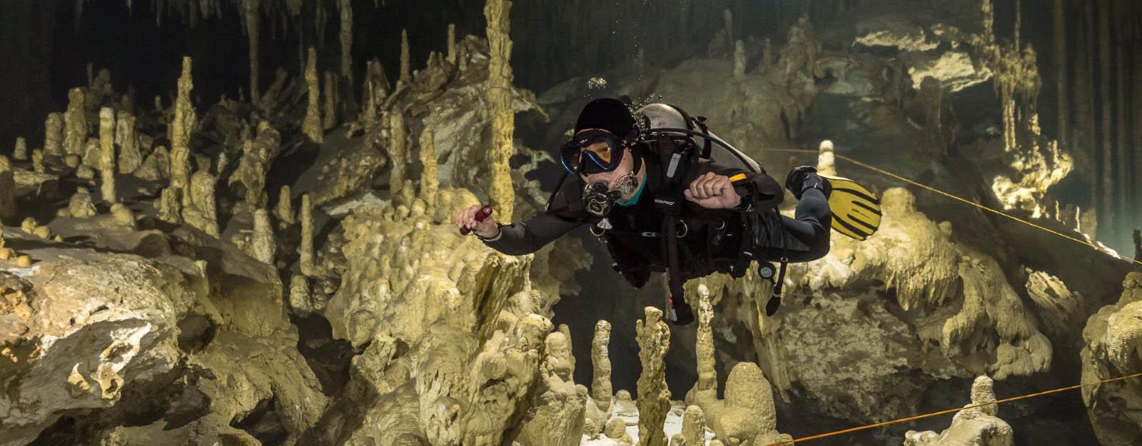 cenote dives in mexico