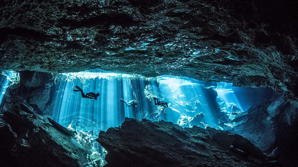 scuba diving cenotes from cozumel